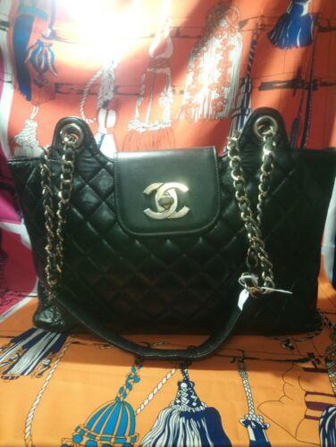 Grand sac a main chanel en cuir matelassé noir sublime et tendance