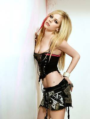 A Avril Lavigne Black Skirt And Top 8x10 Picture Celebrity Print