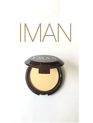 IMAN LUXURY PRESSED FACE POWDER COMPACT WITH MIRROR COLOUR : SAND LIGHT