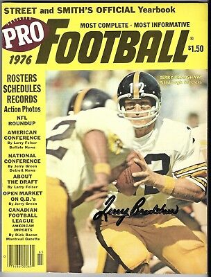 Terry Bradshaw HAND SIGNED 1976 PRO FOOTBALL YEARBOOK AUTOGRAPHED Steelers AUTO