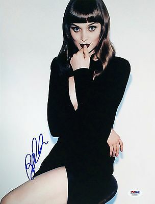 Bella Heathcote Autographed Signed 11X14 Psa Dna Ac 45622
