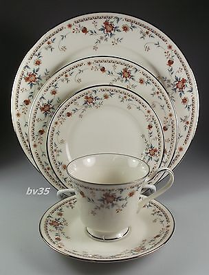 Noritake Adagio  7237  Five Piece Place Settings   Perfect