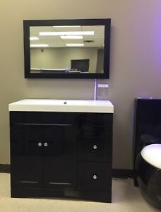 HUGE CLEARANCE SALE / VANITIES / DONT MISS OUT !! COME TODAY !!