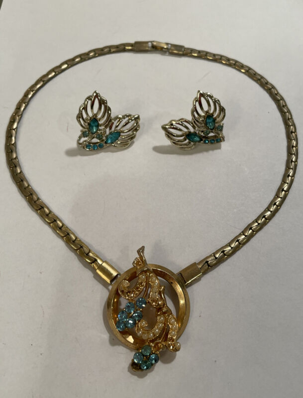 Set Of 2: Vintage Unbranded Blue Rhinestone Gold Tone Necklace/ Clip On Earrings