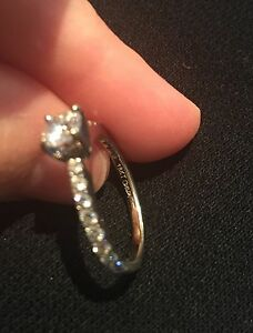18K WHITE GOLD ENGAGEMENT RING -- Best Price--  Cambridge Kitchener Area image 3