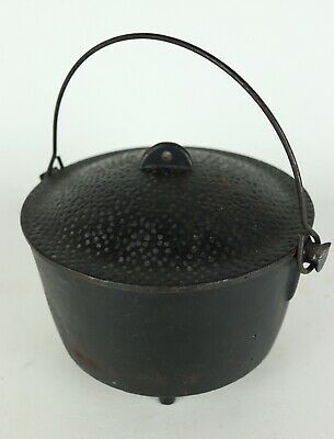 "Vintage Cast Iron Dimpled Lid Handled Camping Spider Pot Taiwan - 7"" T x 8.25"" D"