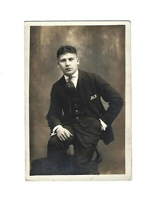 OLD VINTAGE PHOTO HANDSOME YOUNG ITALIAN MAN GENTLEMAN TEEN BOY IN FANCY ATTIRE