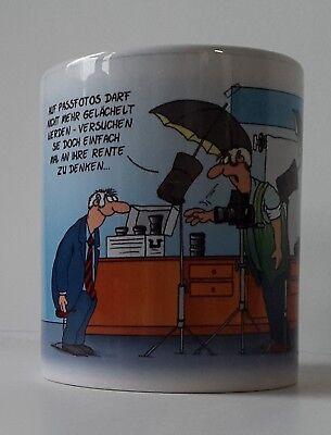 ULI STEIN Porzellan Tasse Henkeltasse Henkelbecher - Ruhestand - Neu