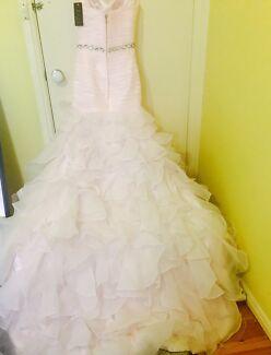 wedding dress 500