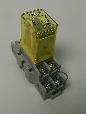 Idec Relay, RH2B-UL, 24VDC, W/ Base,  SH2B-05, Used, Warranty