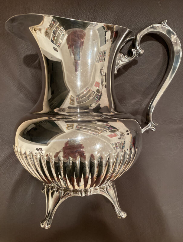 Vintage WM A Rogers Silver Plate 4 Footed Fluted Belly Water Pitcher w/Ice Lip