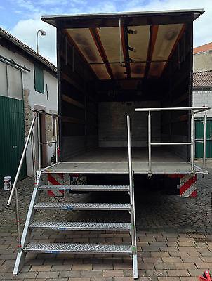 Mobile Treppe mit Schutzgeländer für LKW- Hebebühnen/ Verkaufsfahrzeuge usw.