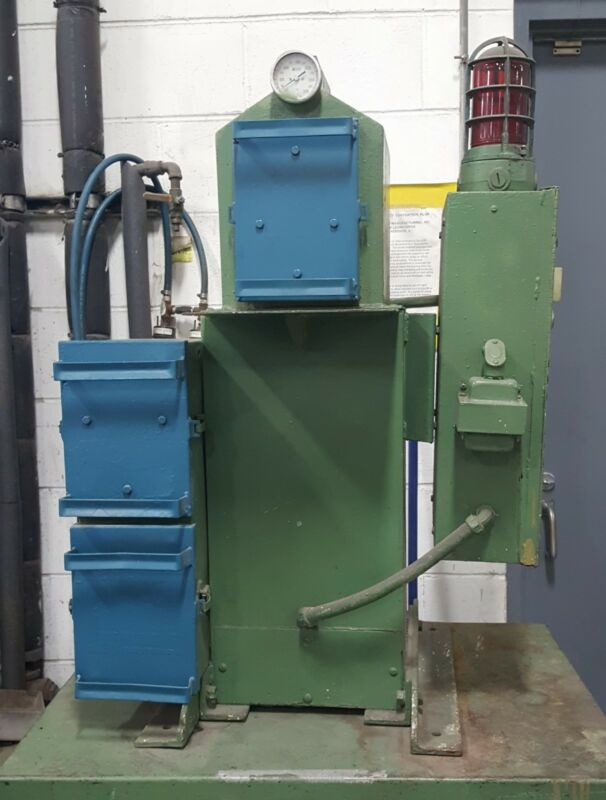 DESICCANT cart regenerator - Universal Dynamics Corp model 75295