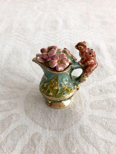 Estee Lauder Collectible Solid Perfume Pleasures Compact Vase W/Squirrel A56 - $38.00