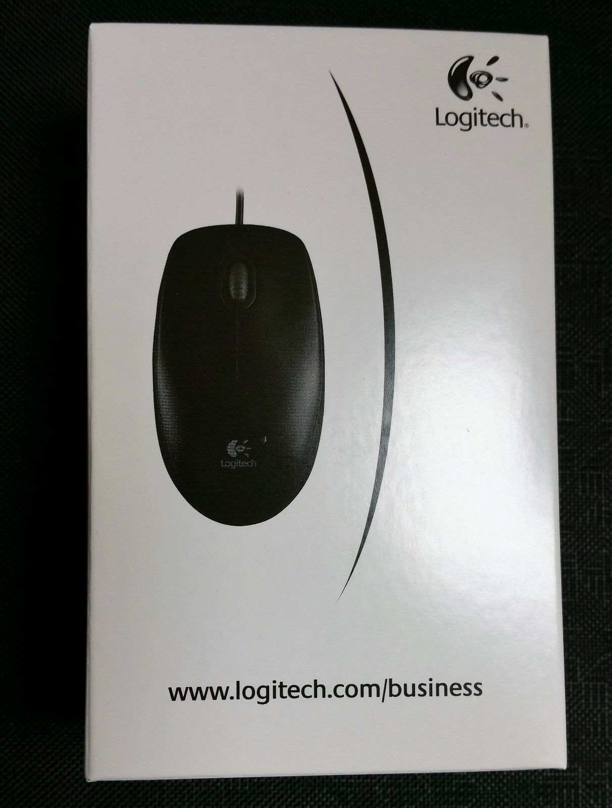 Logitech B100 Optical Mouse 800 DPI 3 Button - Symmetrical