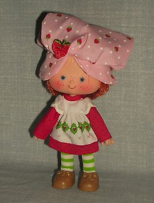 VTG STRAWBERRY SHORTCAKE DOLL COMPLETE WITH SHOES 1979 AMERICAN GREETINGS TOY