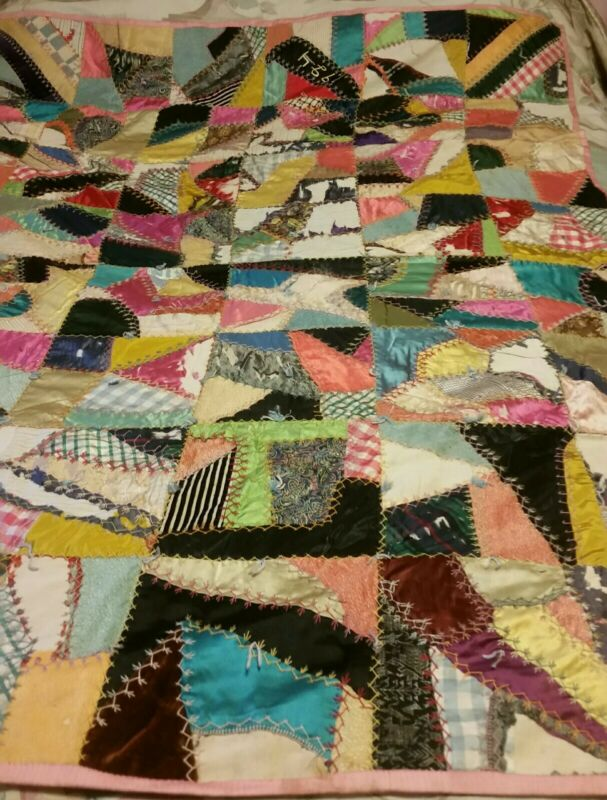 VINTAGE 1924 SATIN CRAZY QUILT HAND STITCHED EMBROIDERED STITCHING poor shape