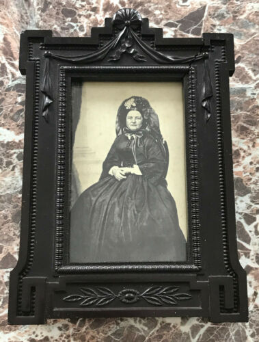 Scarce Mary Todd Lincoln Photograph Antique Civil War Era Mourning Frame Diatite