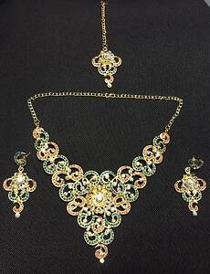 Beautiful earrings and necklace set Melbourne CBD Melbourne City Preview