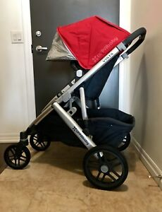 Excellent condition UPPAbaby vista stroller and bassinet