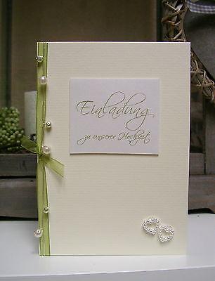 Traumhafte Einladung / Einladungskarte zur Hochzeit creme/grün mit Perlenherzen