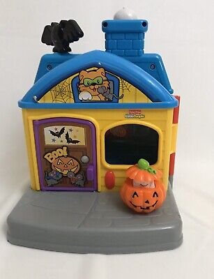 Fisher Price Little People Trick or Treat Surprise Haunted Halloween House