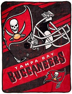 Tampa Bay Buccaneers Soft Football (Tampa Bay Buccaneers SUPER PLUSH Micro Raschel 46x60 Soft Throw Blanket)