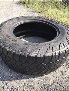 Set de 4 pneus LT 275/65R18