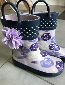 Toddler girl floral rubber rain boots. Size 10 toddler