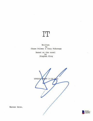 PENNYWISE BILL SKARSGARD SIGNED AUTOGRAPHED IT FULL MOVIE SCRIPT BECKETT BAS 11