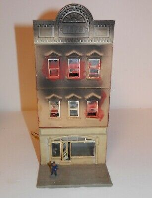 Model Power by Pola HO Scale House on Fire - 6 1/8