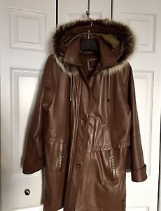 Woman's leather jacket with real fur trim