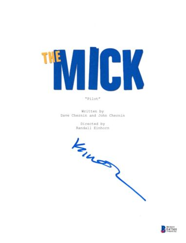 KAITLIN OLSON SIGNED THE MICK PILOT EPISODE SCRIPT BECKETT BAS AUTOGRAPH AUTO