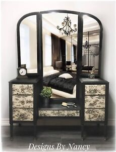Gorgeous Solid Wood Dressing Table/Vanity!