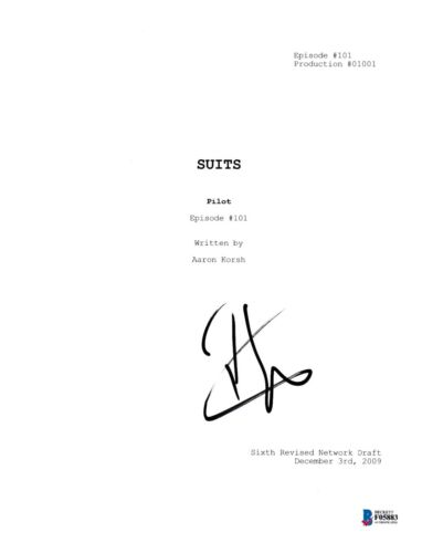 PATRICK J ADAMS SIGNED SUITS PILOT EPISODE SCRIPT BECKETT BAS AUTOGRAPH AUTO