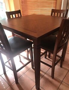 SOLID WOOD TABLE WITH 4 HIGH CHAIRS
