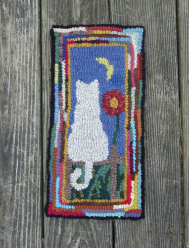 MOON STRUCK CAT Primitive Rug Hooking Kit with #8 cut wool strips