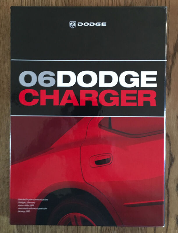 2006 Dodge Charger Deluxe Press Media Kit with CD-ROM NM