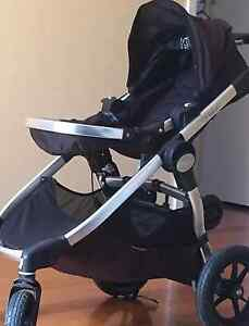 City select jogger -  suit new buyer (immaculate) Spotswood Hobsons Bay Area Preview