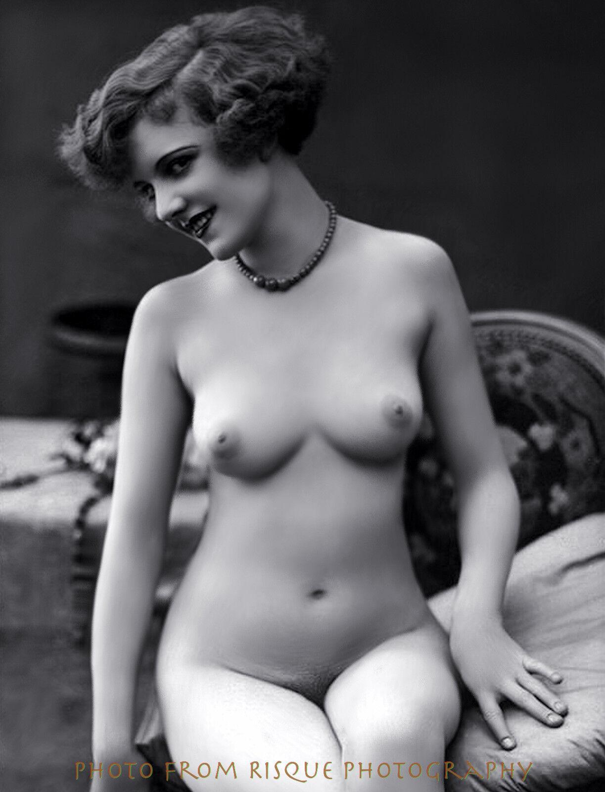 Retro women nude