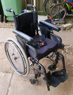 Kids/small adults wheel chair
