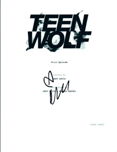 Crystal Reed Signed Autographed TEEN WOLF Pilot Episode Script COA