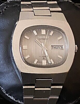 Vintage 1978 Seiko Automatic 17 Jewels Day Date 810625 Square TV Style