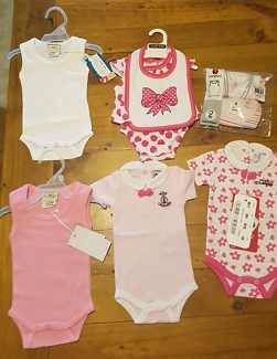 Brand new baby girl size 00000 clothes bundle x 7 items
