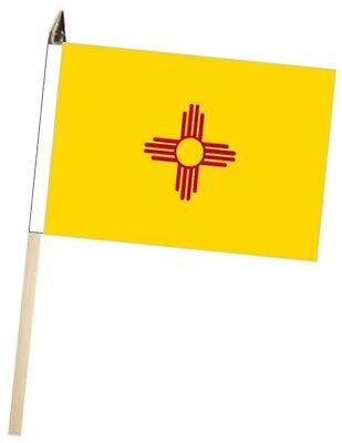 Estados Unidos de América Ee.uu. Nuevo México Grande Mano Agita Bandera Cortesía