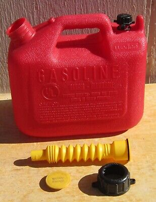Vtg Wedco Essence W-120 Plastic 1.25 Gallon Gas Can Wold School Vent Excellent