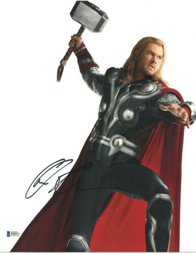 CHRIS HEMSWORTH SIGNED 11X14 PHOTO THOR AVENGERS BECKETT BAS AUTOGRAPH AUTO B