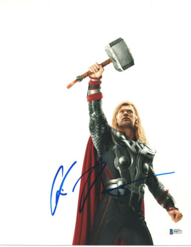 CHRIS HEMSWORTH SIGNED 11X14 PHOTO THOR AVENGERS BECKETT BAS AUTOGRAPH AUTO F