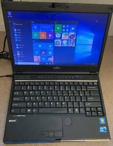 laptop fujitsu lifebook sh560 lus a complimentary docking station
