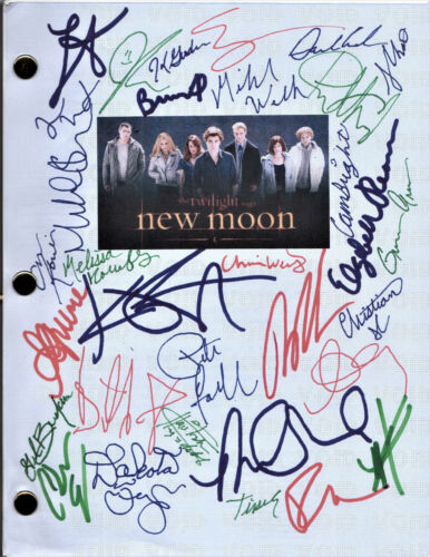 Twilight NEW MOON color signed reprint actual Movie Script 33 autographs on covr